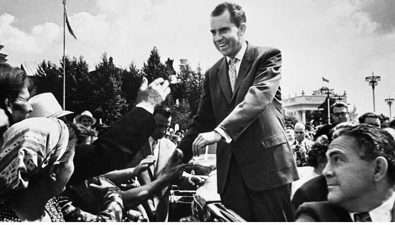 Никсон стал сенатором США от штата Калифорнии
