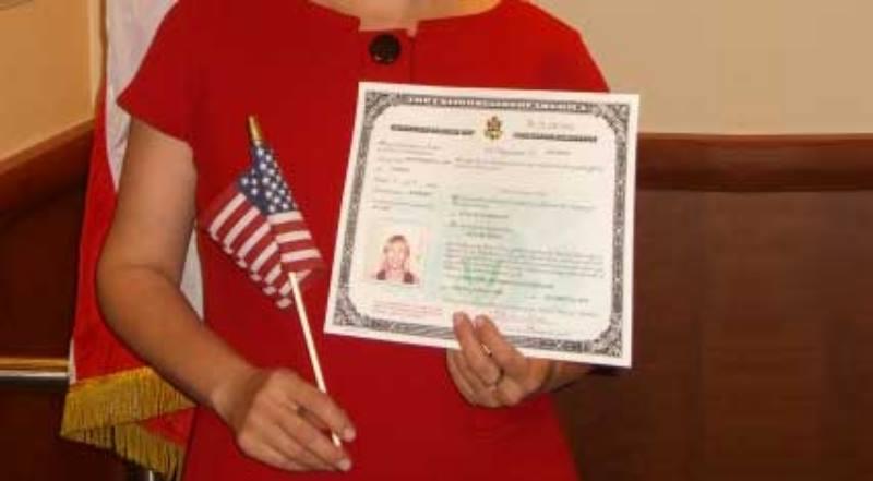 один из родителей является американским гражданином