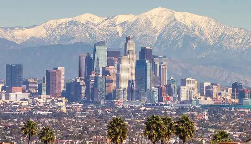 Лос-Анджелес находится на территории, площадь которой составляет 1 290,6 кв. км