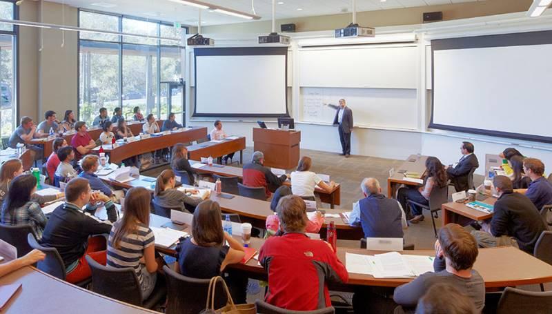 Стоимость обучения находится в прямой зависимости от того, какой выбран факультет